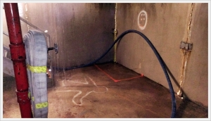 Wrapping the wall, stairwell, and rooms are essential with minimal staffed fire departments. The 1 ¾ worked very well due to the high pump pressure. It never kinked when utilizing these advancement methods. However, 2 ½ would kink immediately rendering this technique less effective resulting in numerous kinks.